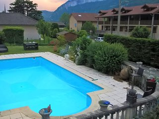 House with 2 rooms in Voreppe, with wonderful mountain view, private pool, furnished garden