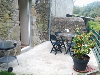 House with 2 rooms in Le Vast, with and enclosed garden - 10 km from the beach
