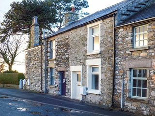 EWE COTTAGE stone-built cottage, first-class accommodation, woodburning stove, WiFi, in Ingleton, Ref 930950