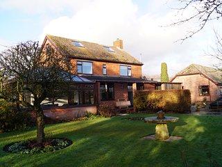Arniss Farm House - New Forest Holiday Let  - Sleeps 12, Fordingbridge