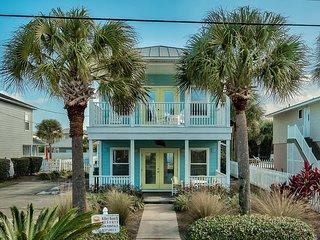 Beautiful Home!Steps to Beach w/Priv Pool & Cabana, Destin