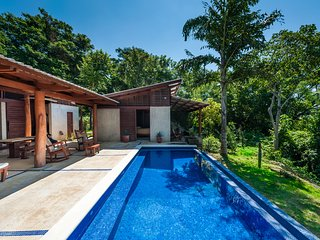 Casa de Mono - Private, Ocean View, Beautiful Sunsets, Best Beaches, Jungle!