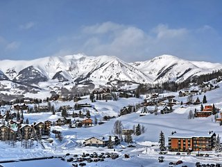 NEW! 'Lapis Sky' 3BR Crested Butte Townhome