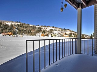 Brian Head Ski-in Condo w/Fireplace -Walk to Lifts