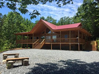 ** Brooke's Place ** Brand New Luxury  Cabin**, Bryson City