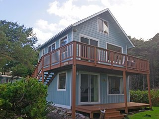 Ocean view Quiet, Near 804 Trail, Dog Friendly, Yachats