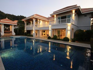 Hua Hin Sai Noi Beach villas 5 bedroom Mansion villa (RM4)