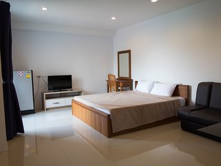 Bangkok MRT Ratchada 7 mins / Family 2 bedrooms