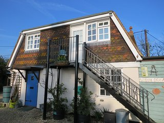Firdove Studio Sunny studio with stunning views over the Sussex countryside.