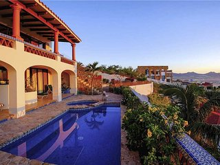 Near Downtown Cabo Perfectly Situated for Fun at Villa Joya de Law!