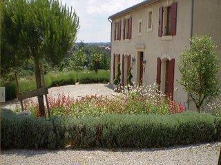 Maison de caractere 10 personnes pres Carcassonne vue Pyrenees