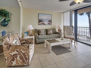 Trillium #1B - Beach Front Condo with private balcony!, Madeira Beach