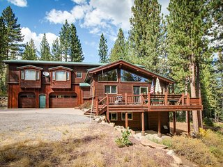 Dog-friendly home with a private game room and five-hole disc golf course!