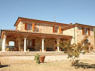 3 bedroom Villa in Cortona, Tuscany, Italy : ref 2020490