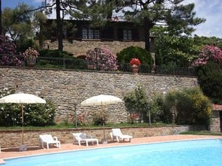 4 bedroom Villa in Cortona, Tuscany, Italy : ref 2020502