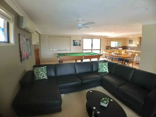 1km to Surfers Paradise | 4 Bedrooms | Pool | Billiard Table | FREE Wifi | GFO