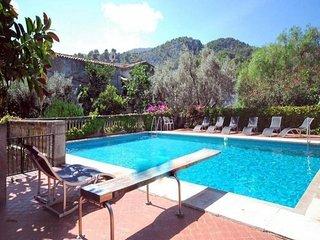 4 bedroom Apartment in Puerto Soller, Mallorca : ref 2066975, Port de Soller