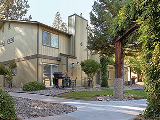California-(N)-Bass Lake Resort 2 Bdrm Condo