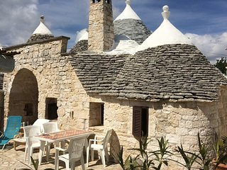 Trullo del Sole with Pool