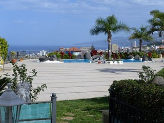 Nice holiday apartment with pool, Puerto de la Cruz