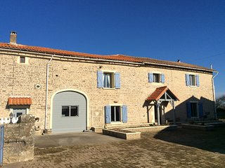 TooPats Longhouse B&B France Country Tranquil Retreat, Sainte-Soline