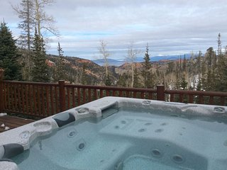 Overlook Lodge - Total Awesome Views - Great for your whole family (s)