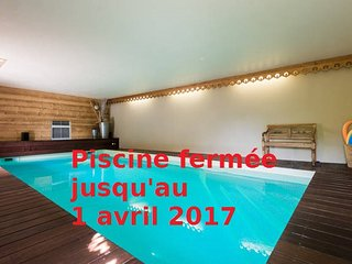 ANNECY LAFERMEDEQUINTAL piscine intérieure, Annecy