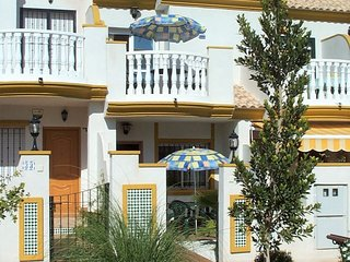 Cabo Roig House In Private Gated Complex With Pool, Air-Con, WiFi, Well-Equipped
