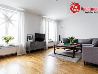 Centrally Located 2 Bedroom Apartment - 2929