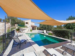 Fantastic Private Villa in the Heart of Mallorca, with Swimming Pool, A/C WIFI!!, Sant Joan
