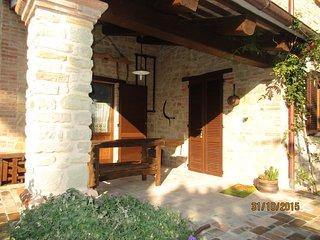 Casale San Martino, appena costruito, stile rustico in mattoni e pietra