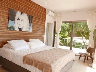 Mystical Green Properties Bungalow ' Bardot ', Santa Teresa