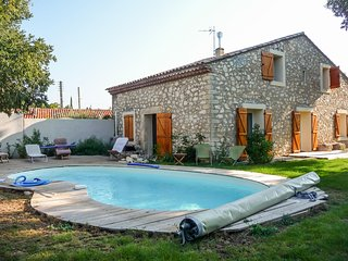 Spacious farmhouse in traditional Gignac with a swimming pool, verdant garden and WiFi – sleeps 10!