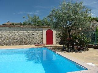 La FENIERE , maison 6p , Ardèche du sud , piscine chauffée, Joyeuse