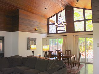 Renovated Pocono Ski House, Pocono Lake