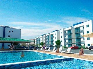Apt confort pour famille et professionnelles avec piscine et 10 min de la plage