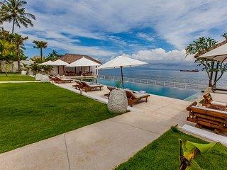 Oceanfront Luxury Villa in East Bali - Villa Lulla, Candidasa