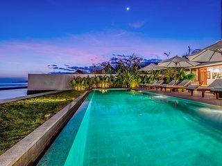 Affordable Beachfront 4 bdrs villa - Villa Oceana