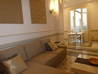 ORTIGIA SYRACUSE BOUTIQUE APARTMENT WIFI AIR CONDIT WALKING DISTANCE TO IL DUOMO, Siracusa
