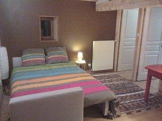 Calme et sérénité - étage privé de plain pied, Annonay