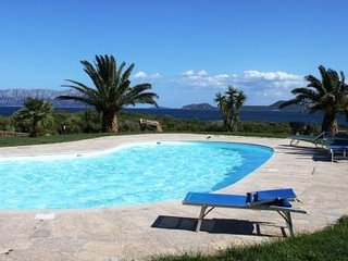 Spiaggia Bianca- Apartment on first row in complex with pool with a beautiful be