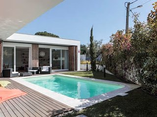 Modern villa with garden & pool in Aldeia do Meco