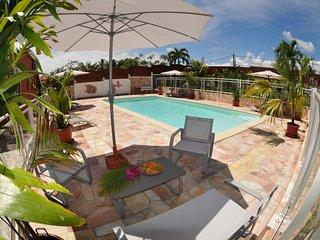 Gerer Etal Paradise, un Paradis Tropical a Sainte-Anne ( Groseille)