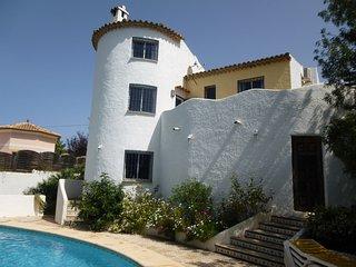 Tranquil Villa Montgo with large pool- stunning mountain  walks, Denia