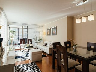 Las Condes, 4BR 8pax. Bright and Spacious