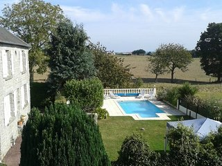 Le Dragon - A fully modernized 4 bed farmhouse & private heated pool