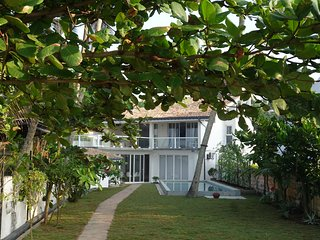 indie beachouse - absolute beachfront, Galle