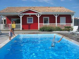Maison Rouge 3* avec WIFI et piscine chauffée