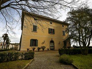 Villa Le Colline, Capraia e Limite