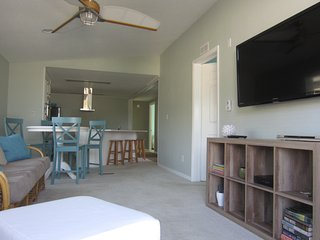 OFF SEASON BOOK NOW OCT, min 3 days, GOLF CART Sleeps 7